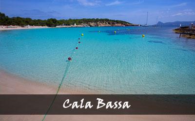 Cala Bassa - Lees meer over een van de mooiste Ibiza stranden