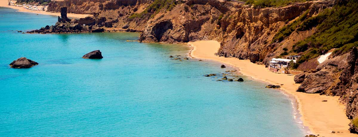 Aigua Blanques | Een van de mooiste stranden van Ibiza dat nabij San Carlos en Santa Eulalia ligt
