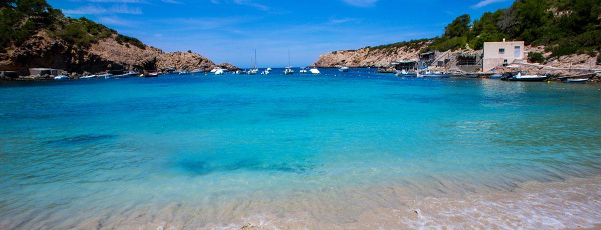 Cala Vadella Ibiza | Deze prachtige baai herbergt een van de mooiste stranden van Ibiza