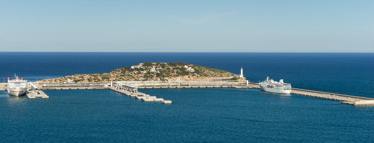 De haven vana Talamanca op Ibiza is prachtig gelegen zoals je op de foto kunt zien