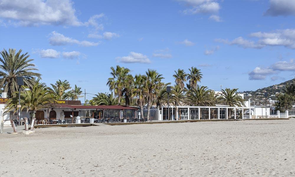 Talamanca beach op een rustig moment