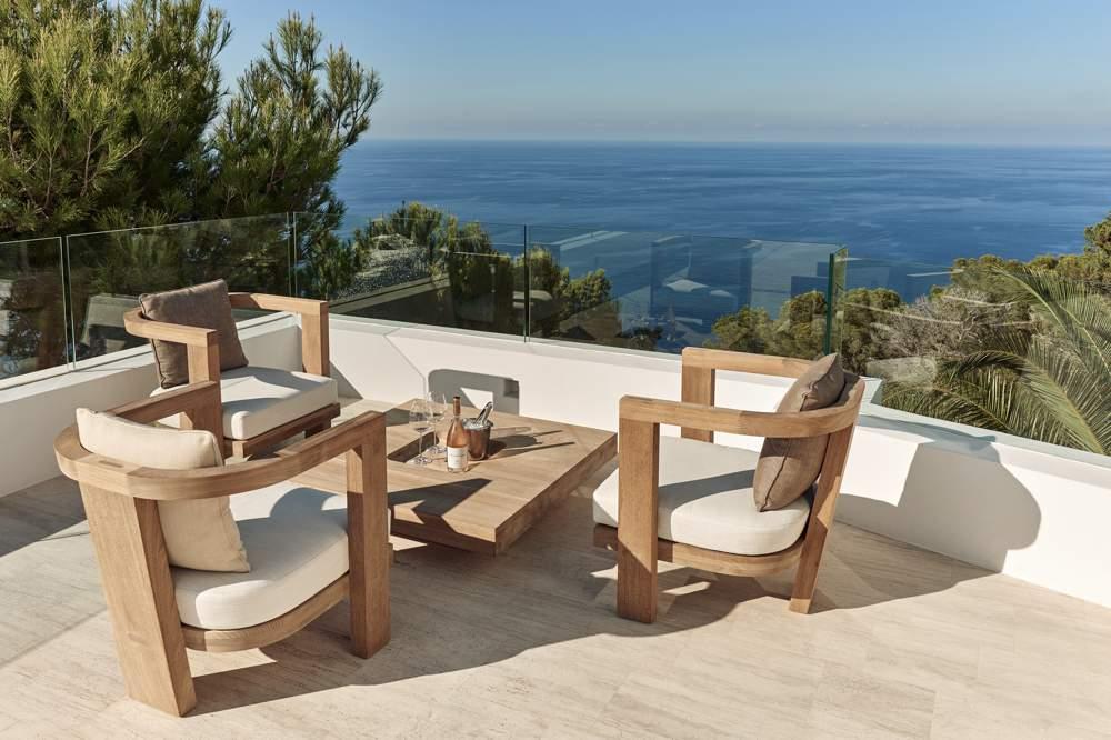 Luxe villa op Ibiza huren? Bright Blue is zeker een goede optie om te huren